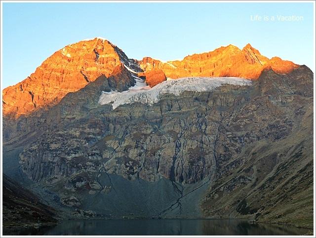 Harmukh Peak Sunrise in Kashmir