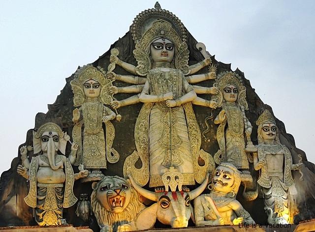 DurgaPuja Deshapriya Park Tallest 2015
