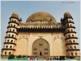 Bijapur Trip in 1 Day-Gol Gumbaaz Complex