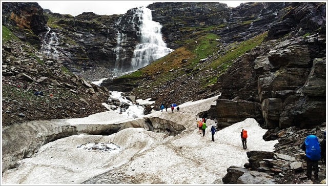 RupinPassUpperWaterfall-SnowBridge